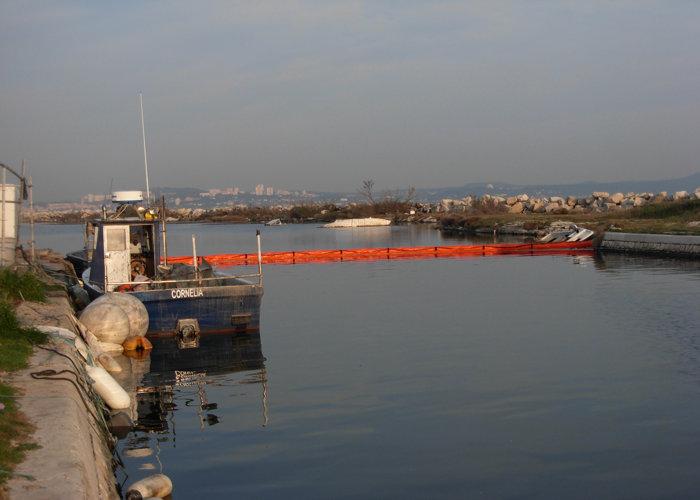 Barrage Antipollution Port ou Rivière Goeland 4