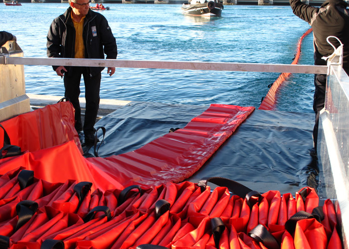 Barrage Barracuda anti-pollution port rivière - 3