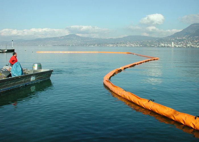 Barrage flottant Leman anti pollution 1