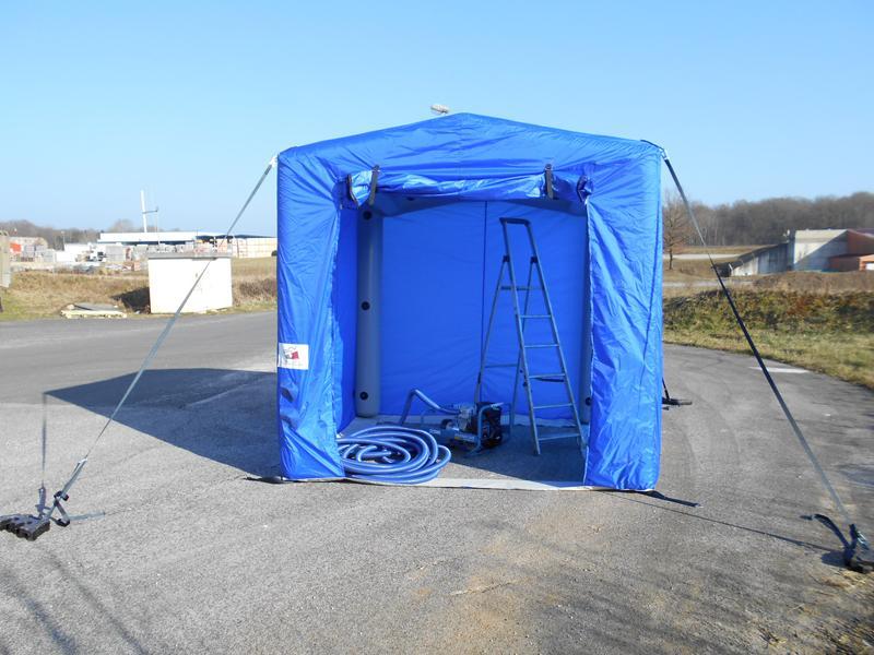 tente-abri-gonflable-chantier-1