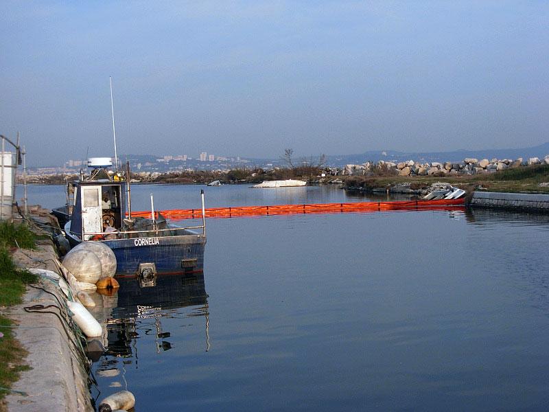 barrage-flottant-anti-pollution-goeland-300nm-port-2
